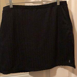 Medium Izod black golf skort-excellent condition